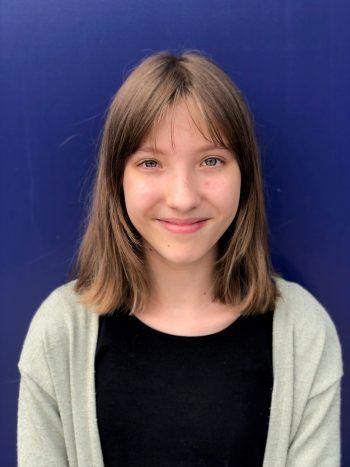 """<p>Maya, 13 Jahre, Hohenems: """"Das Code Base Camp ist wirklich cool! Es war interessant zu lernen, wie man ein einfaches Spiel selber programmieren kann. Ich programmierte zusammen mit einer anderen Teilnehmerin TicTacToe in JavaScript.""""</p>"""