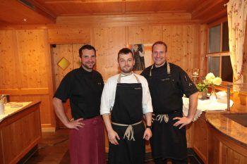 "<p class=""caption"">Sous-Chef Christoph Egele, Chef-Entremetier Pavel Bidlos und Küchenchef Holger Stößer.</p>"