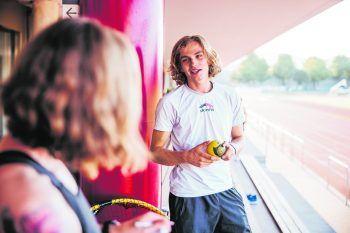 """<p class=""""caption"""">               Vereinsgründer Sebastian Ganahl fasziniert die Schnelligkeit des Spiels und die vielen unterschiedlichen Eigenschaften und Anforderungen.             </p>"""