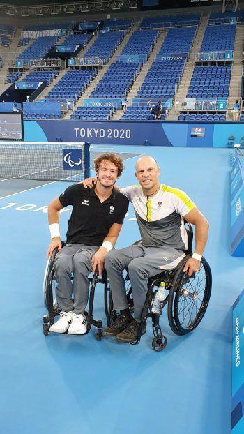 "<p class=""caption"">Am Center Court mit Doppelpartner Nico Langmann.</p>"