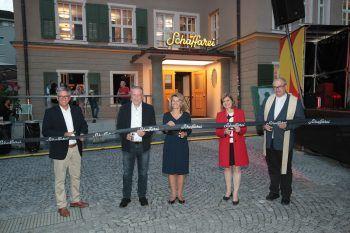 """Bgm. Wolfgang Matt, AK-Präs. Hubert Hämmerle, """"Schaffarei""""-Initiatorin Eva King, LSth. Barbara Schöbi-Fink und Generalvikar Hubert Lenz."""