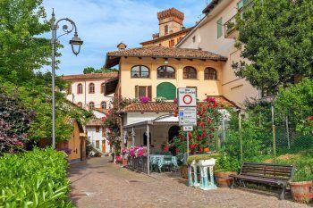 Die historische Stadt Alba überzeugt jeden mit ihrem Charme. Fotos: handout/Weiss Reisen