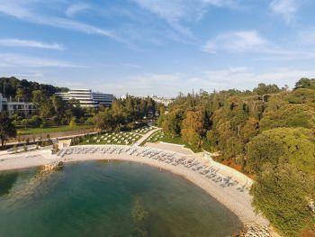 """<p class=""""title"""">               Hotel Eden****              </p><p>Die beliebte Hotelanlage in idyllischer Lage inmitten eines schönen Waldparks und an einer schönen Bucht bietet einen tollen Urlaub für alle. In nur 15 Gehminuten ist man im Zentrum der hübschen Stadt Rovinj. Mit Frühstück kann man sich hier beispielsweise am 11. September ab 1069 Euro, am 18. September ab 861 Euro oder am 25. September ab 843 Euro eine Woche lang erholen.</p>"""