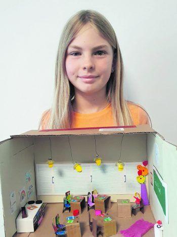 """Jolina hat eine tolle Bastelei zum Thema """"Schule"""" eingesendet und darf sich über 200 Euro WANN & WO-Schulgeld freuen."""