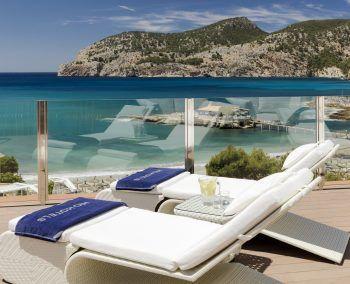 """<p class=""""title"""">               Mallorca             </p><p>Wohl die bekannteste Ferieninsel in Europa. Kein Wunder – traumhafte lange Strände im Osten, kleine Buchten im Süden und eine atemberaubende Steilküste im Norden, dazu ein malerisches Hinterland und viele Orte mit sehr guter touristischer Infrastruktur. Egal ob ruhiges Fincahotel, abwechslungsreiche Familienferien oder Zeit zu zweit in einem Adults-Only-Hotel - hier findet jeder seinen Platz. Und wer seine Liege am Strand verlässt, wird eine wundervolle Insel entdecken. Hoteltipp H10 Blue Mar Boutique Hotel****: Elegantes Strandhotel für Erwachsene mit besonderem Service. Direkt an der kleinen Bucht von Camp de Mar gelegen. Eine Woche mit Flug und Zimmer mit Frühstück gibt es am 27. September ab 965 Euro, am 4. Oktober ab 849 Euro und am 11. Oktober ab 831 Euro.</p><p/>"""