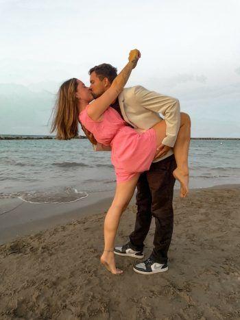 """Michelle mit ihrem Sandro: """"Liebe ist – vier Hände, zwei Herzen, ein Takt! Ich liebe meinen Lieblingsmenschen seit über sieben Jahren jeden Tag noch mehr, in guten wie in schlechten Zeiten."""" Fotos: handout/privat"""