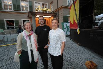 """<p class=""""caption"""">Mirjam Steinbock, Andreas Feuerstein und Anika Reichwald.</p>"""