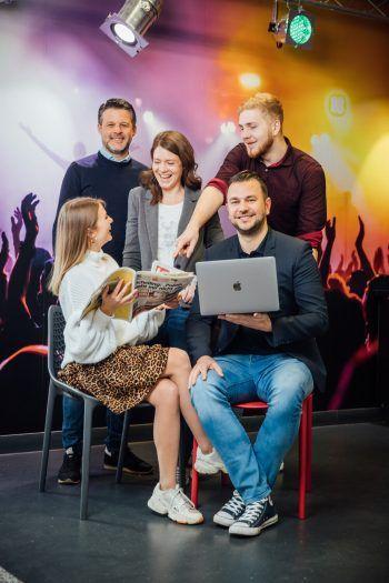 Ob Redaktion oder Verkauf – die Trainees können bei Russmedia viel lernen. Foto: Russmedia