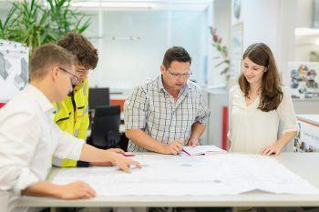 Projekte im Team zum Leben erwecken – diese Vision wird bei BERTSCH gelebt.Foto: handout/Bertsch