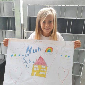 """<p class=""""caption"""">Selina gewinnt mit ihrem Bild einen 300-Euro-Gutschein von Panto Outdoor.</p>"""