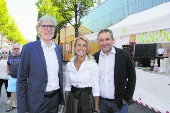 "<p class=""caption"">Wilfried Hopfner (Raiffeisen), Petra Kreuzer (WK), Karl Zimmermann (ZimCon).</p>"
