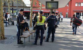 Die Polizei nahm den 17-Jährigen am Dornbirner Bahnhof fest.Symbolfoto: Stadt Dornbirn