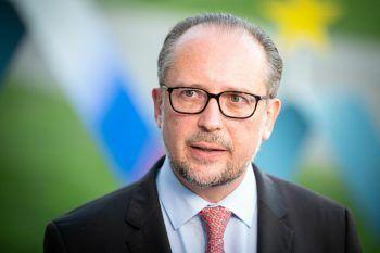 """<p class=""""caption"""">Er soll übernehmen: Außenminister Alexander Schallenberg (ÖVP).</p>"""