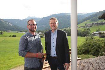 "<p class=""caption"">Holzbauer Michael Natter und Dominik Moosbrugger.</p>"