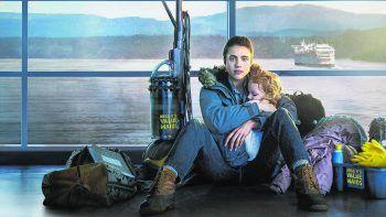 MaidNetfix, Serie, Drama. Um ihr Kind zu ernähren und ihm eine bessere Zukunft zu bieten, sucht sich eine junge Mutter nach ihrer Flucht aus einer Missbrauchsbeziehung einen Job als Putzhilfe. Mit Margaret Qualley, Andie MacDowell und Nick Robinson. Läuft ab sofort.