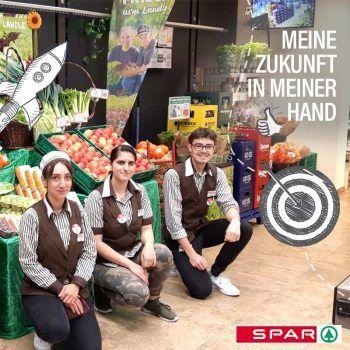 """<p class=""""caption"""">""""Vor ein paar Wochen waren die Ländle Infotage – und auch ich war live dabei. Hier wurden Kunden dazu eingeladen Vorarlberger Produkte kennenzulernen. Das war echt mega cool, da ich mein ganzes Wissen an die Kunden weitergeben durfte.""""Fotos: Facebook/SPAR Vorarlberg</p>"""